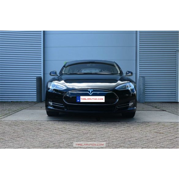 T1130 Tesla Model S P85 + Full options 81332 km 425Le ELADVA